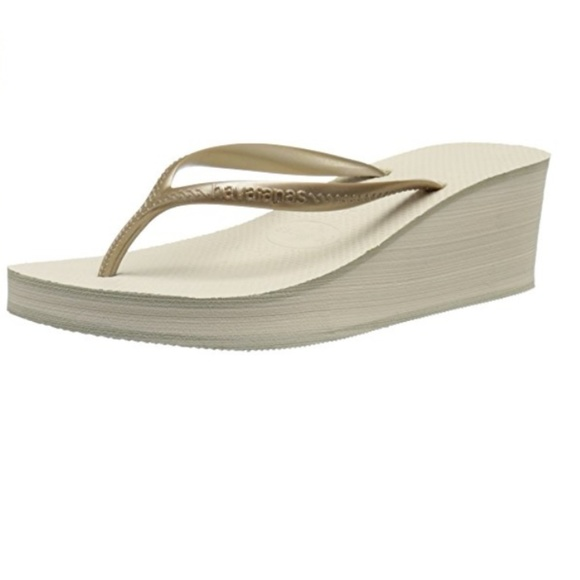 64d0eaeeae2d14 Havaianas High Fashion Wedge Flip Flip in Beige